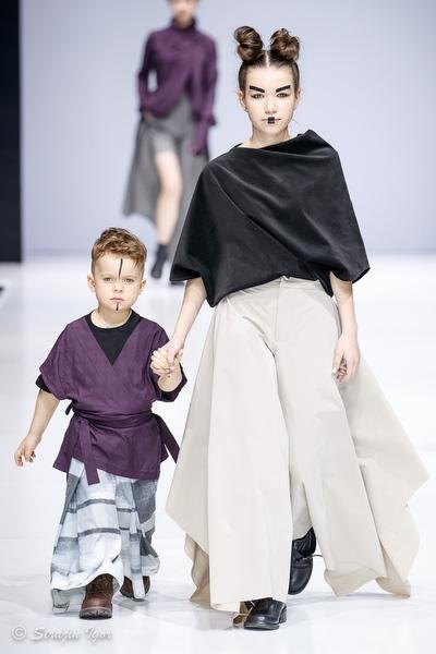 Показ коллекции одежды ANPER на Неделе моды в Москве.