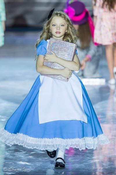 Alexandra Kozlovskaya коллекция «Алиса в стране чудес»