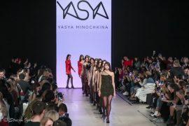 YASYA MINOCHKINA на подиуме Mercedes-Benz Fashion Week Russia.