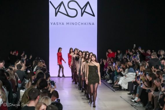 YASYA MINOCHKINA на подиуме Mercedes-Benz Fashion Week Russia.