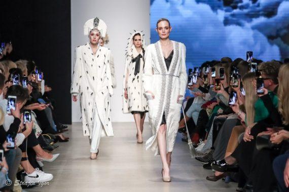 Показ коллекции Julia Dilua на Mercedes-Benz Fashion Week Russia.
